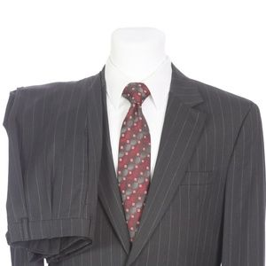 Jos A Bank 2 Button Gray Pinstripe Wool Suit